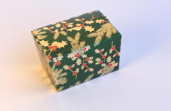 Traditional Holly 1000g sized Ballotin - Gift Carton Ideal for the festive season